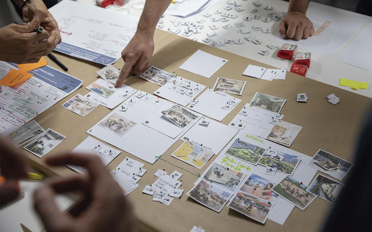 Imagen de un taller participativo sobre Espacios Cívicos en Mestura Puerto (2019). Fotografía realizada por Adrián Tejero (Alventio Audiovisual).