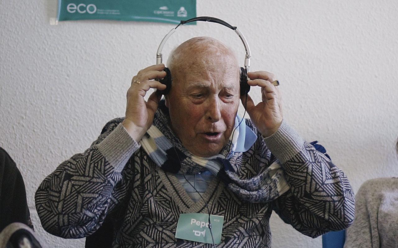 Pepe durante un taller de ECO. Música y comunidad en Residencias de Mayores. Residencia de Mayores de Ofra, 2019. Fotografía de Iván Delgado (Nevus Visual).