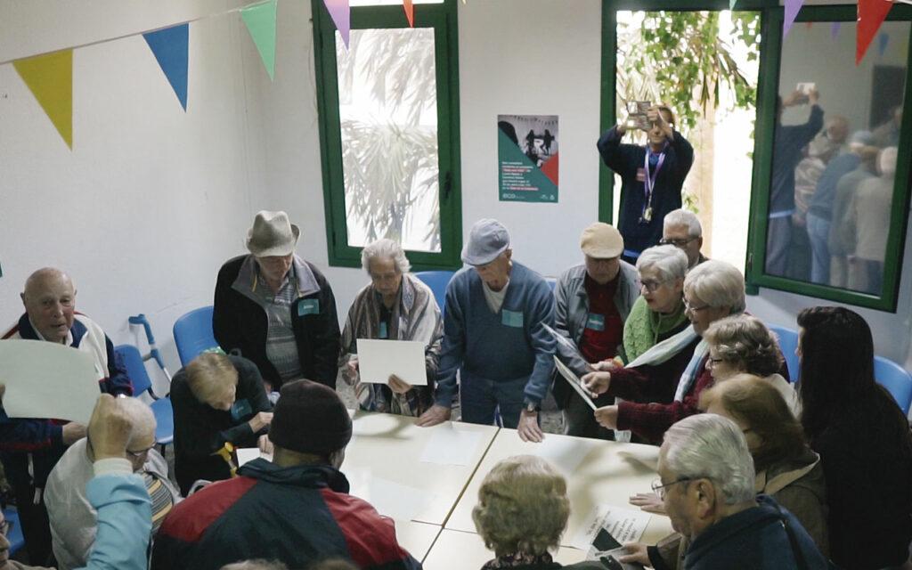 Participantes durante un taller de ECO. Música y comunidad en Residencias de Mayores. Residencia de Mayores de Ofra, 2019. Fotografía de Iván Delgado (Nevus Visual).